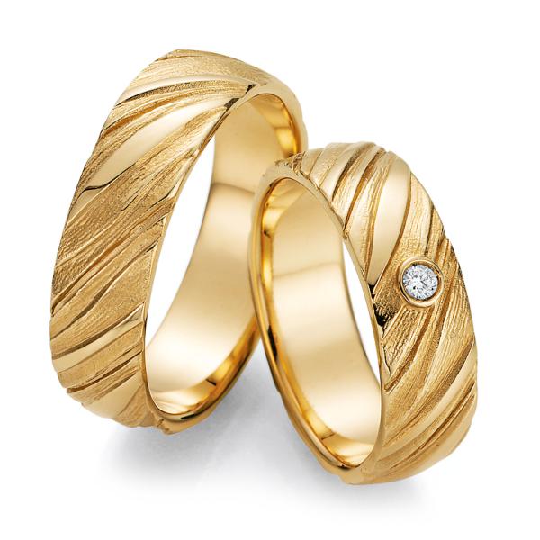 Ruesch Trauringe Gelbgold 66/52030 & 66/52040 Eheringe mit Struktur Brillant